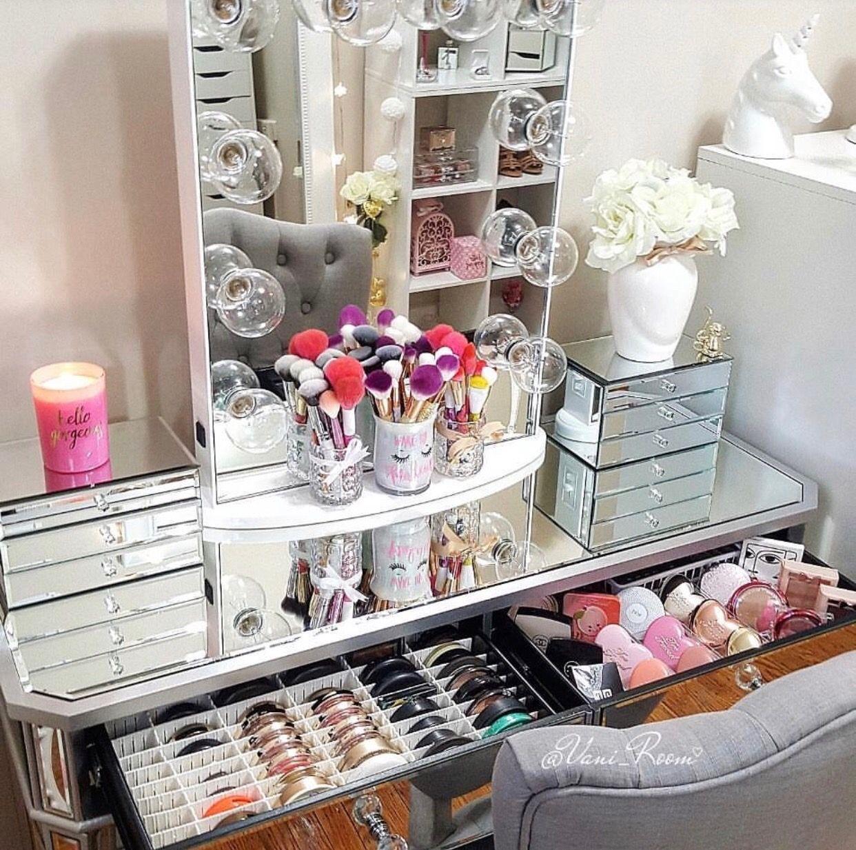 Pin by nathalia g on vanitys pinterest vanities makeup makeup organization makeup storage organization vanity room vanity fair vanity tables beauty room guest bedrooms organizers geotapseo Images