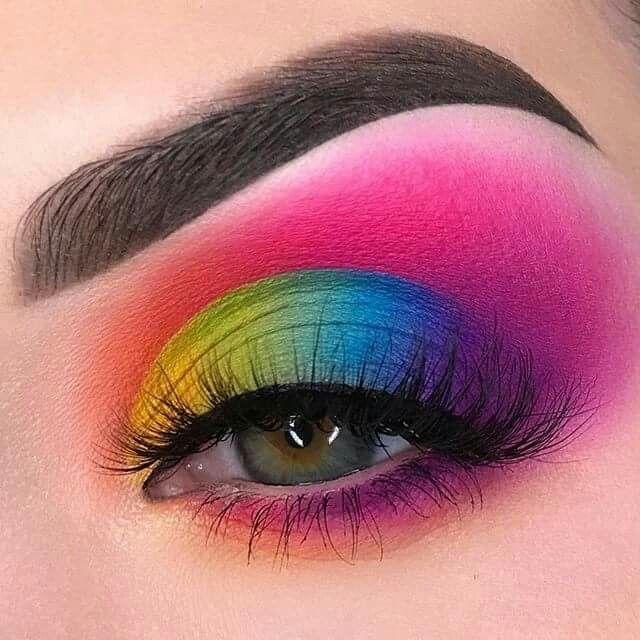 Maquillaje de ojos: ¿es esta la vida real? @swazyemorgan usa #sugarpill Flam – Ellise M.