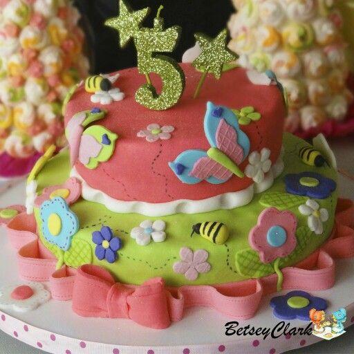 Torta infantil de mariposas y flores en fondant recetas - Flores para cocinar ...