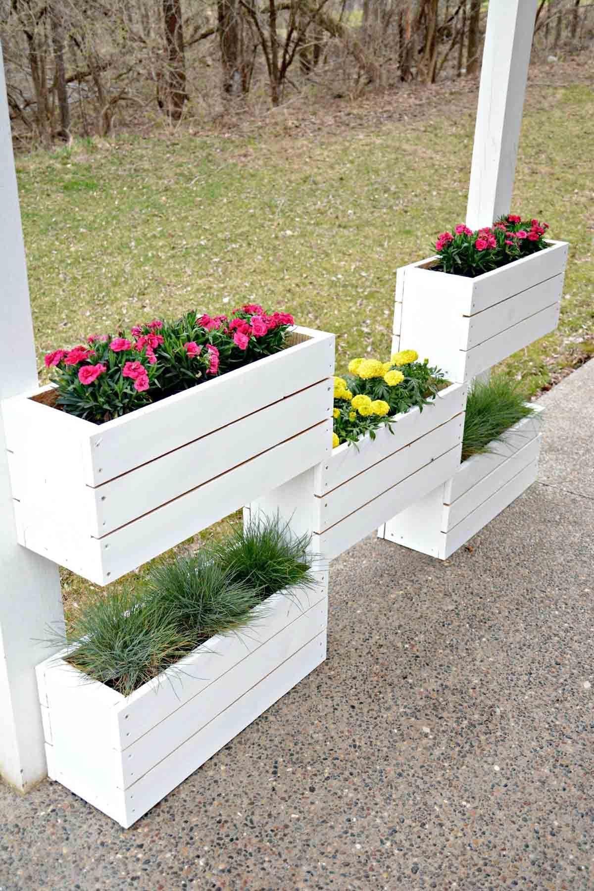 33 Beautiful Built In Planter Ideas To Upgrade Your Outdoor Space Diy Garden Garden Projects Vertical Planter