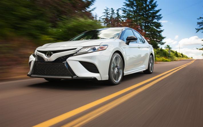 Lataa kuva Toyota Camry, XSE, 2018, Uusia autoja, valkoinen uusi Camry, Japanilaiset autot, ylellisyyttä sedans, Toyota