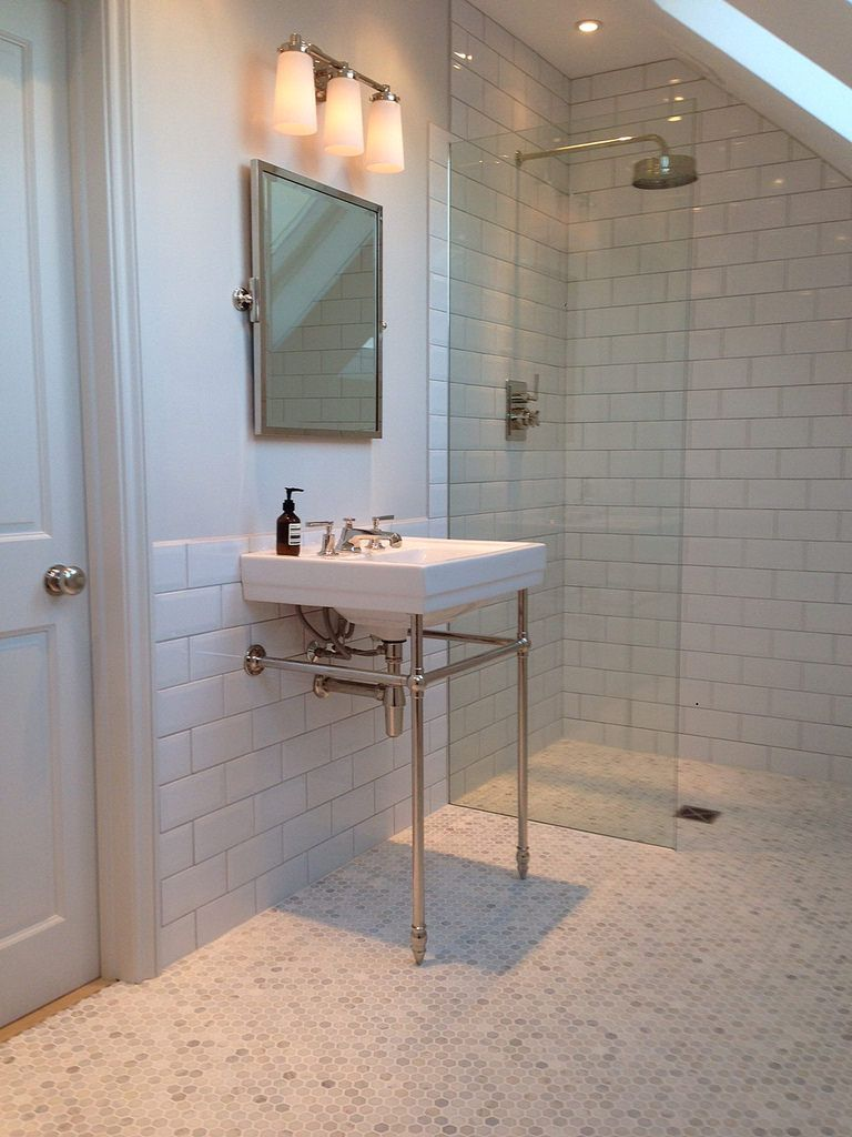 Ensuite loft bathroom marble flooring metro tiles for Small ensuite wet room ideas