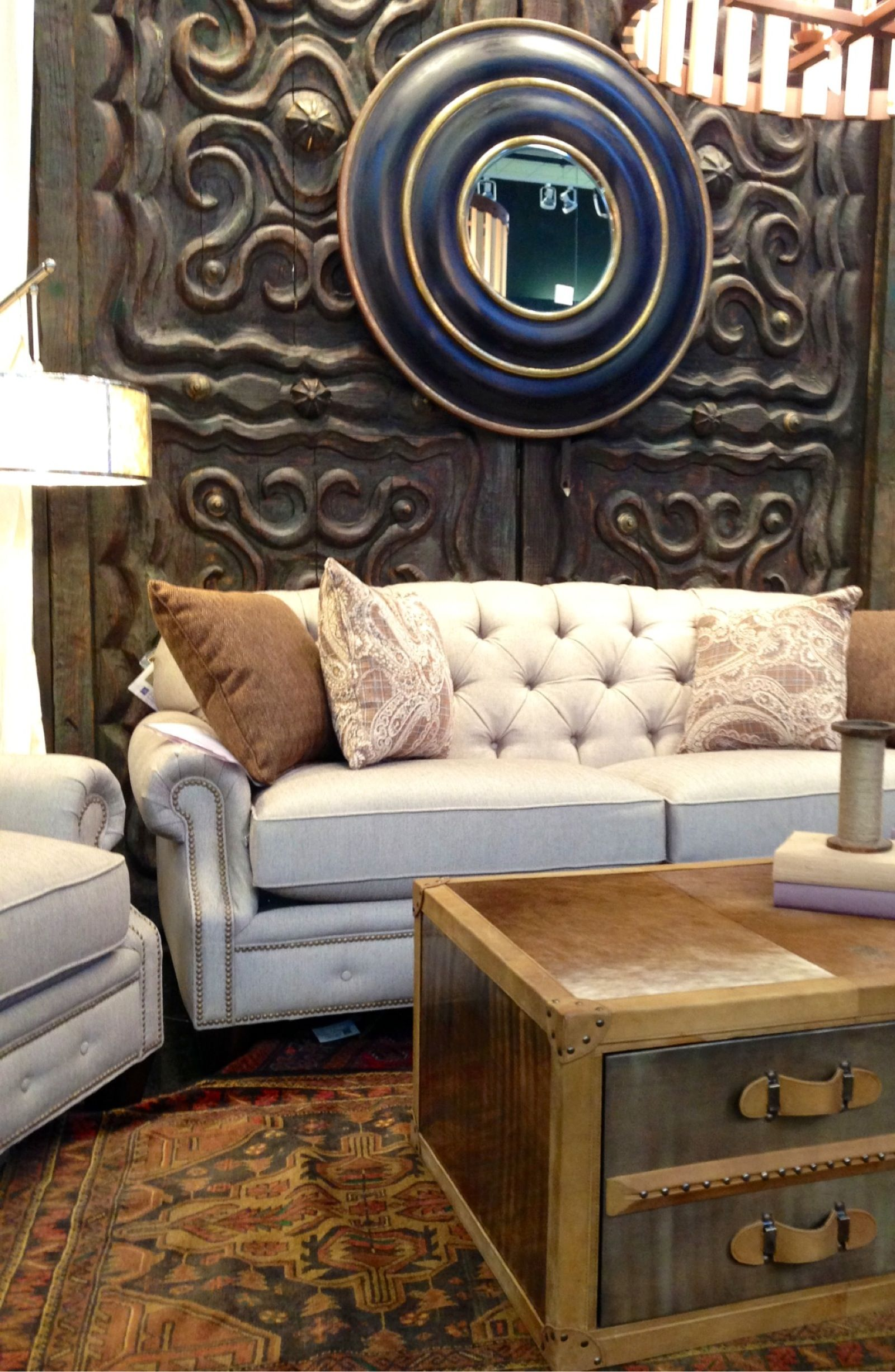 A Beautiful Tufted Sofa With Steel Frame Houston Tx Gallery