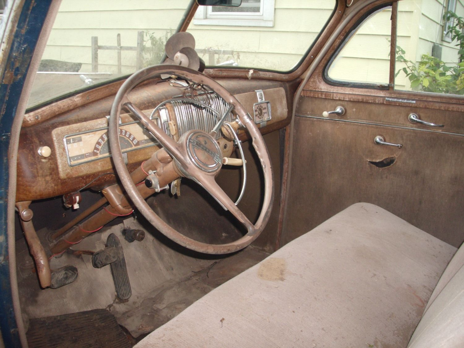 1940 Chevy Dashboard Com Find Of The Day 1940 Chevrolet Special Deluxe 2 Door Sedan Chevrolet Chevy Vehicles Sedan