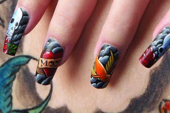 Tatuagem nas unhas. Indolor e muito criativo.      Adorei!!
