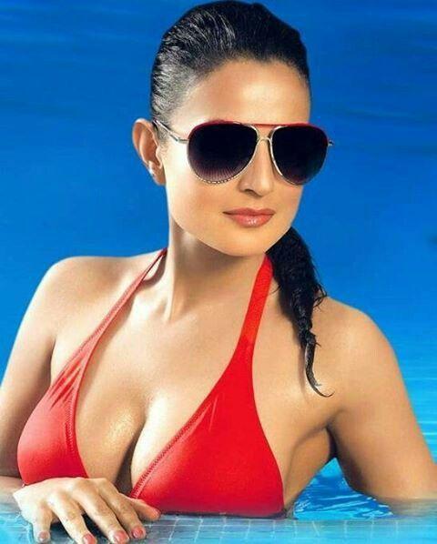 Lanka nude wet girl