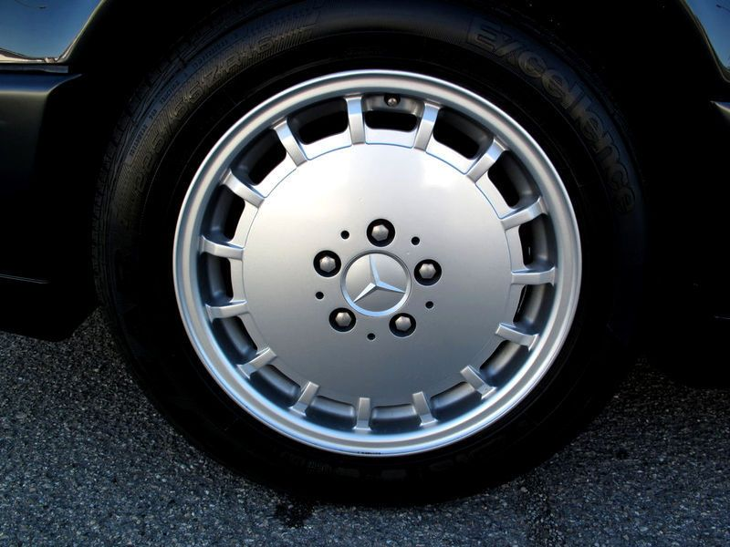 Mercedes Gullideckel wheel
