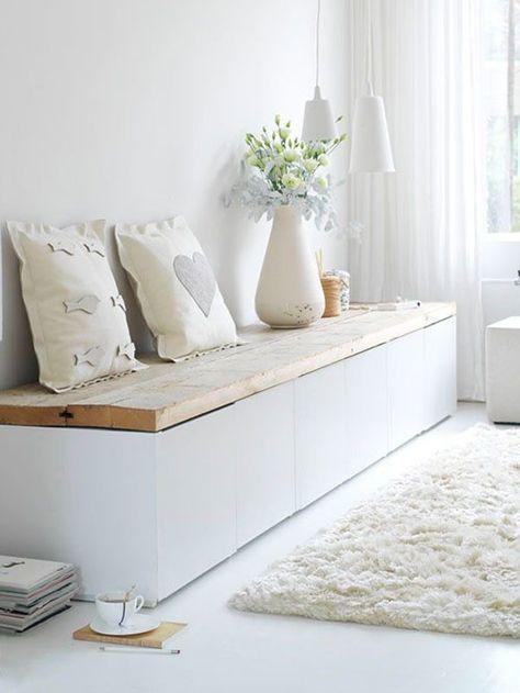 Witte Ikea Wandkast.Houten Plank Op Witte Ikea Kast Inrichting Bankjes Opbergen