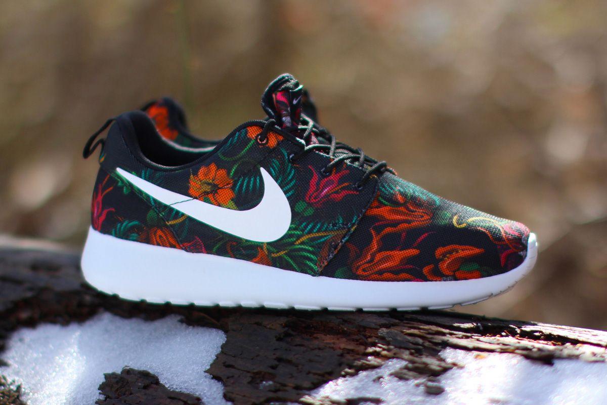 Nike Roshe Courir Impression Dorange Totale (lotus Fumé)