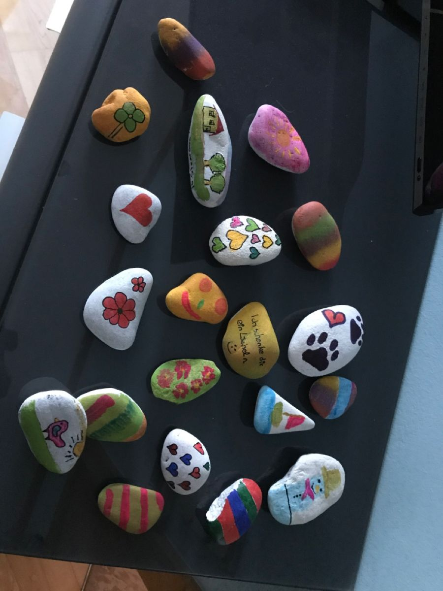 Bemalte Steine, STOAROAS in 18  Steine bemalen, Steine, Pfoten
