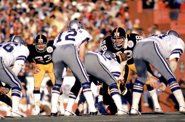 Super Bowl X   Cowboys QB Roger Staubach Lines Up Against The Steel Curtain  Defense.