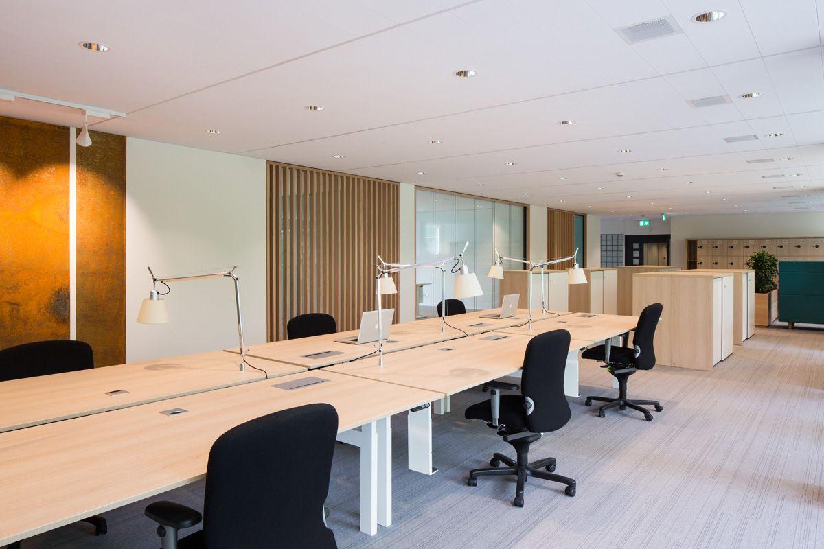 kantoor interieur rechtbank amsterdam bloc7 architecten open werkplekken het nieuwe werken
