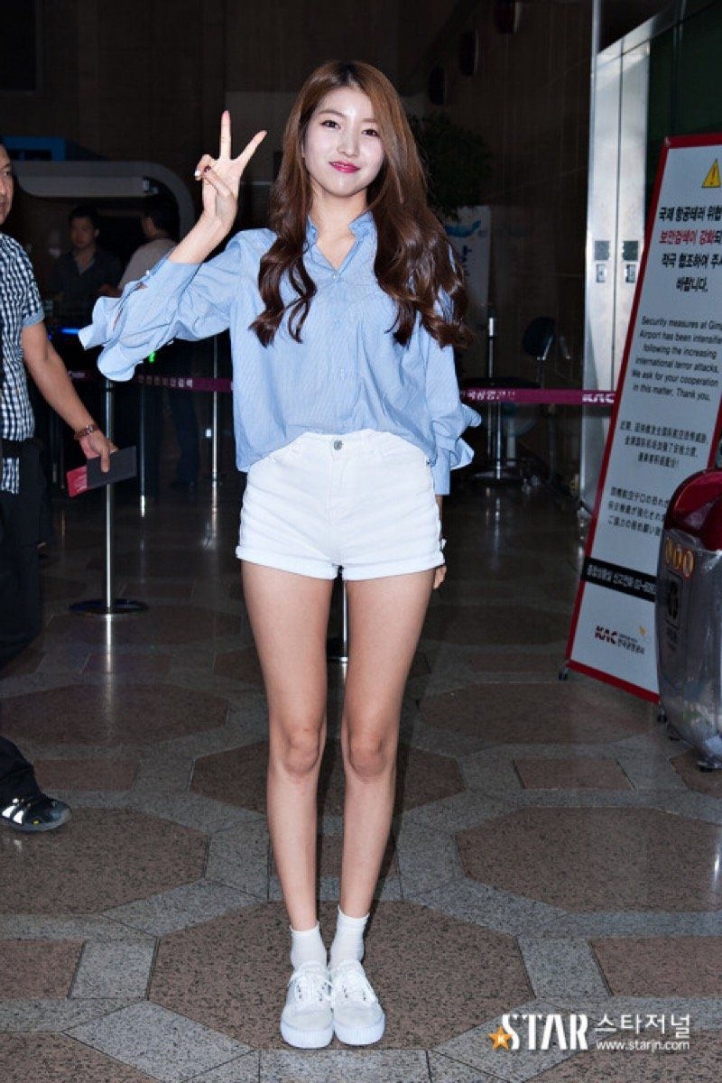 27 Photos Of Gfriend S Sowon That Prove She Has Impossibly Long Legs Koreaboo Korean Fashion Fashion Rapper Outfits
