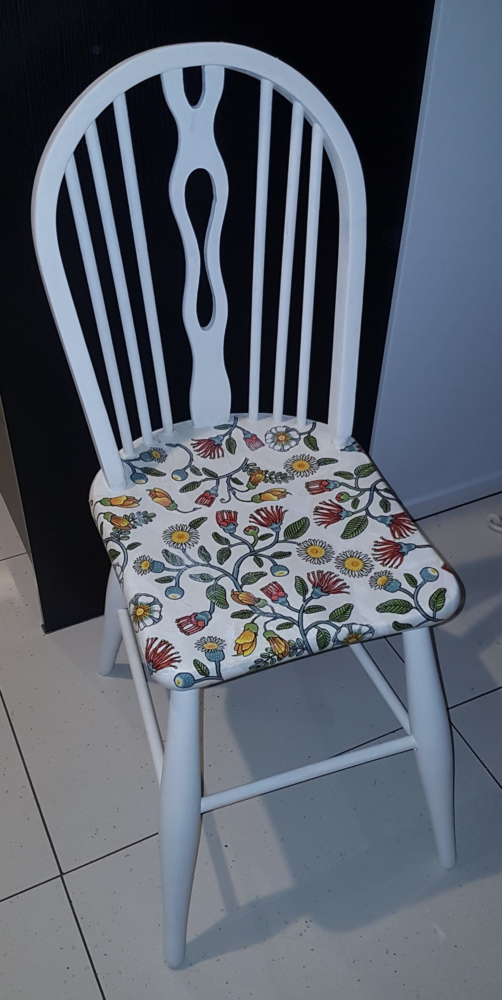 Chalk Paint Chair With Serviette Decoupage