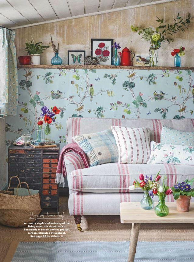 Sanderson Wallpaper Woodland Chorus In Country Homes And Interiors May 2016.