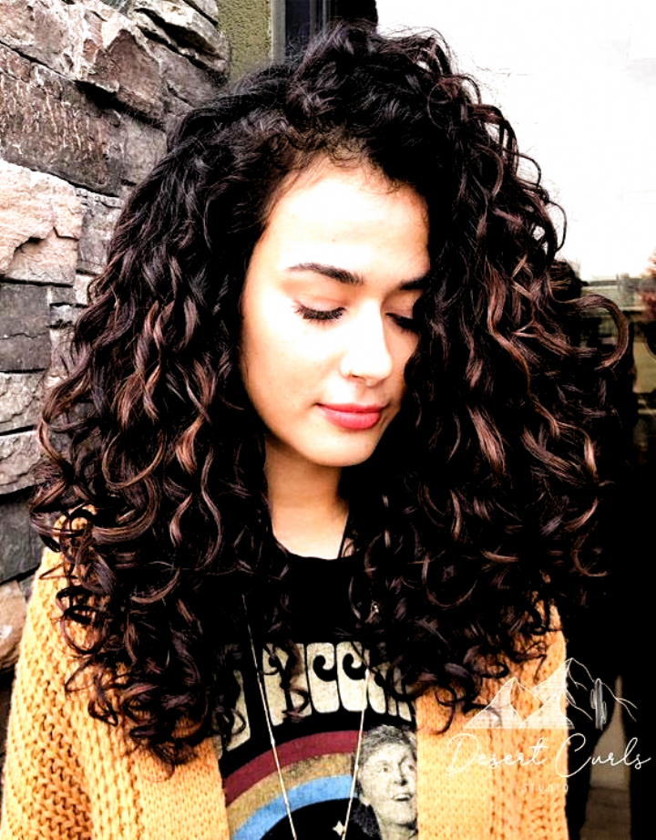 Curly Hairstyles For 30 Year Old Woman Curly Hairstyles 3b Hairstyles Or Curly Hair Ho In 2020 Curly Hair Styles Naturally Curly Hair Styles Curly Hair Inspiration