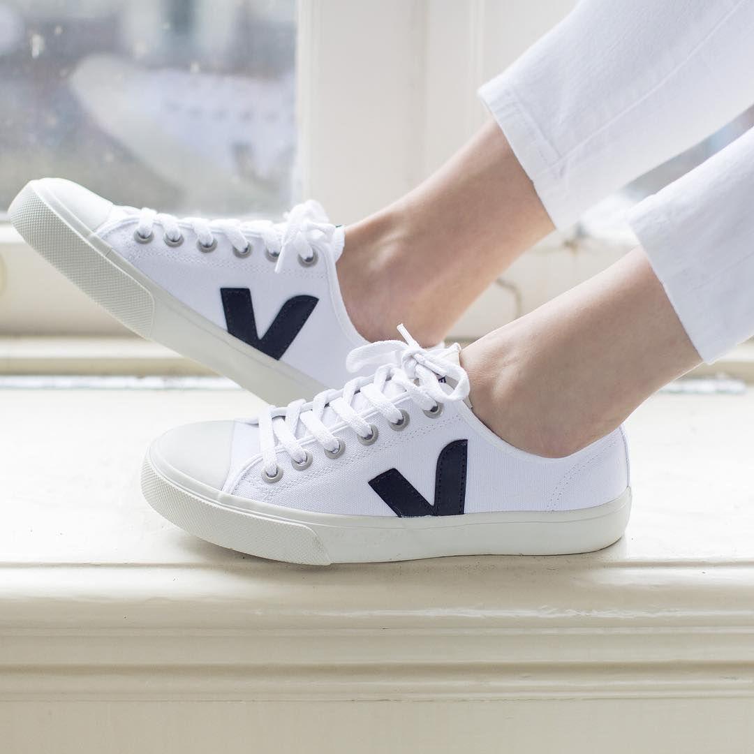 Sneaker outfits women, Sneakers fashion
