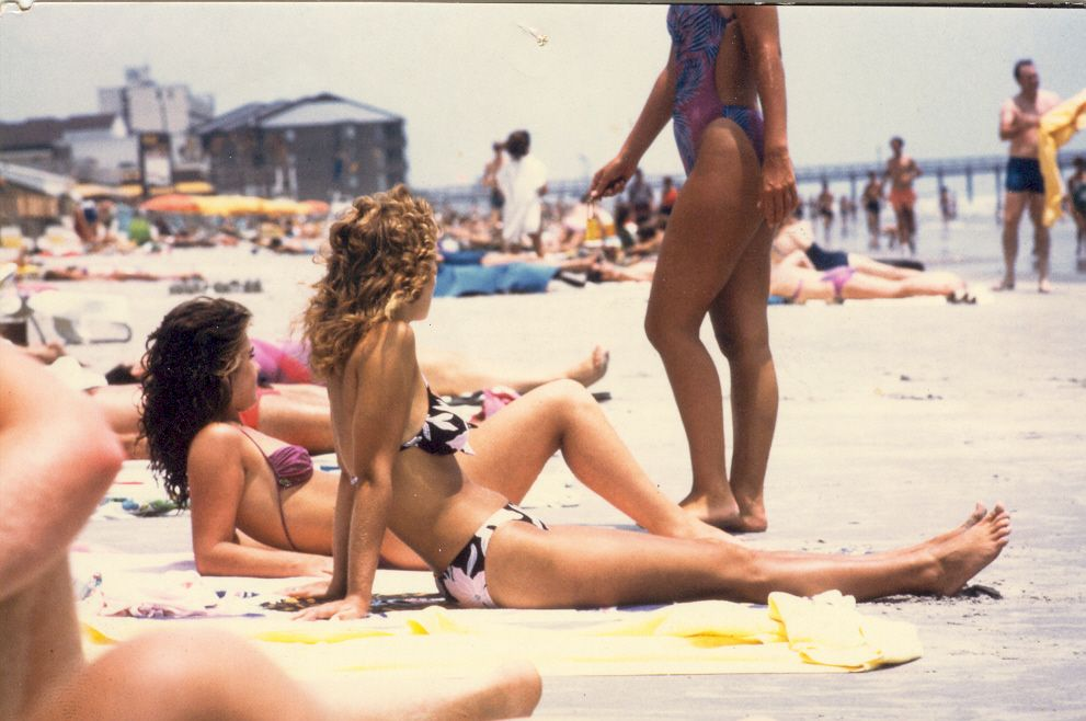 #real #80s #people #women #beach #swimsuits