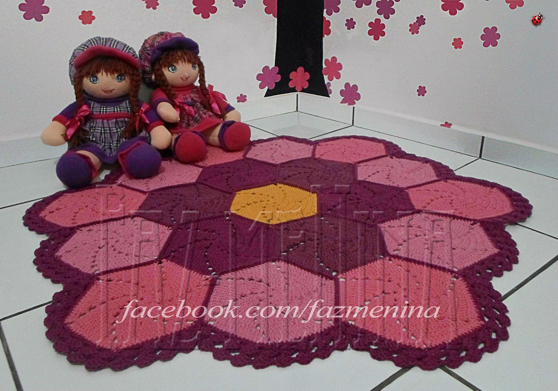Tapete infantil em crochê; barbante. www.facebook.com/fazmenina