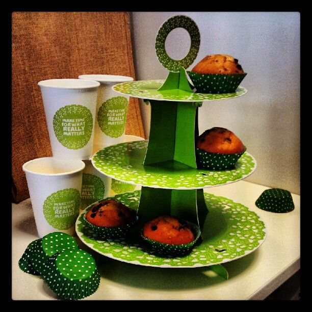 Make your #coffeemorning extra special with our gorgeous #cake stand (£4.95), handy paper cups (20 for £2.95)  and cupcake cases (60 for £2.95). Available from our shop http://www.macmillan.org.uk/coffeeshop #coffee #baking