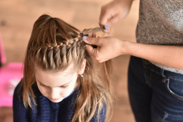 15 Quick Easy Hairstyles For Little Girls Edgy Hair Cool Hairstyles Picture Day Hair