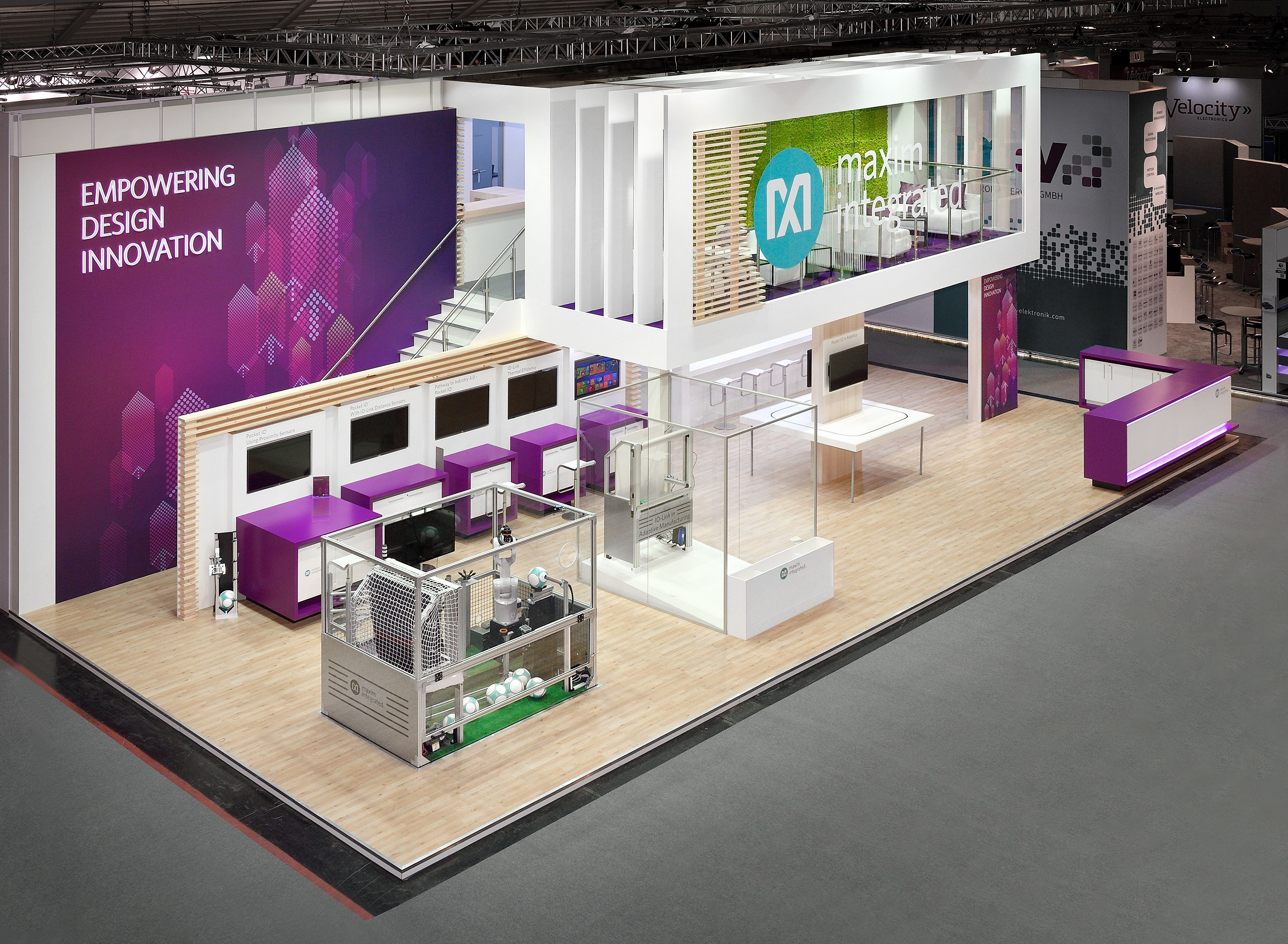 Maxim trade show exhibition stand by nebula exhibits exhibition deco bureau bureau for Stand expo deco