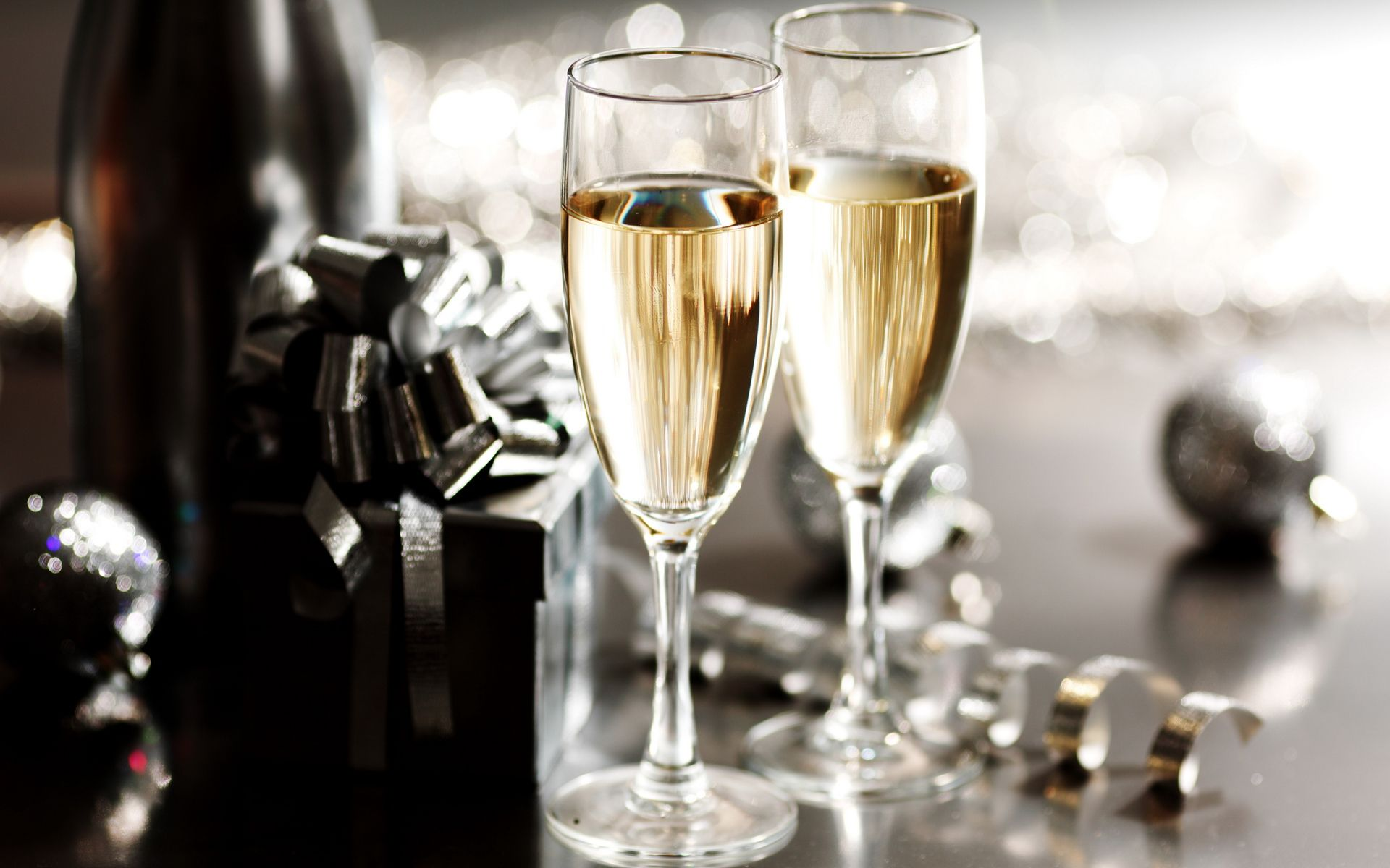 Food wine Wallpaper Champagne, New years eve dinner