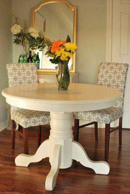 Painted Pedestal Table No Matter How Many Times We See A Piece Of Furniture White Still Love The Refreshing Eal It Brings To Room