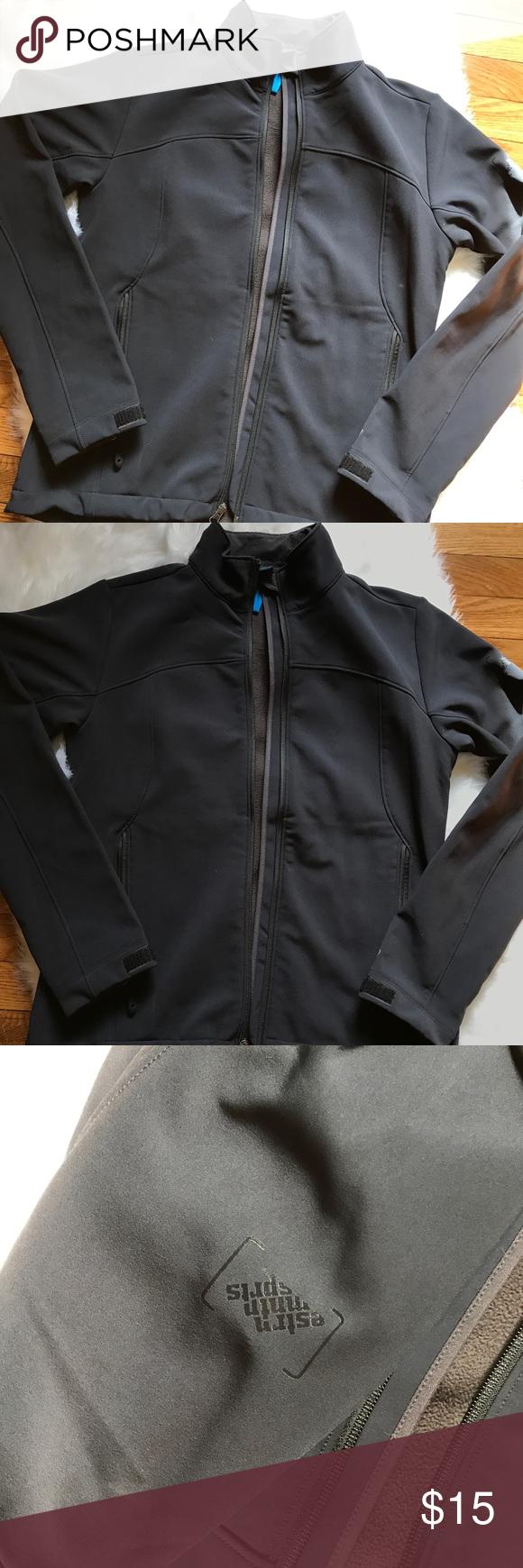 Black zip up jacket black fleece lined jacket only wore once itus