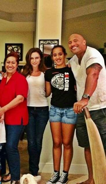 Happy Family The Rock Dwayne Johnson Lauren Hashian Rock