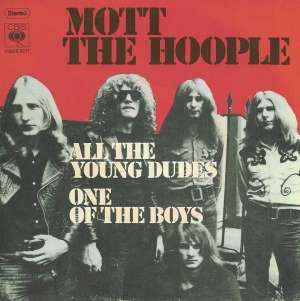 Mott The Hoople All The Young Dudes 1972 With Images All The Young Dudes Mott The Hoople Hoople