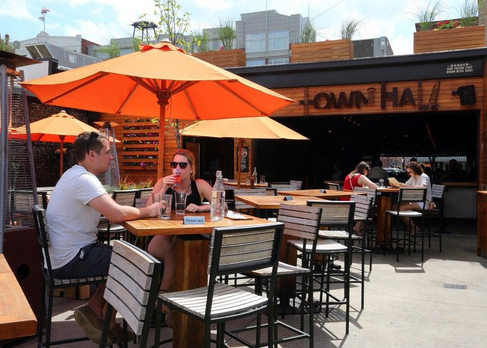 Townhall Ohio City Impresses With Diverse Healthy And Fun Menu