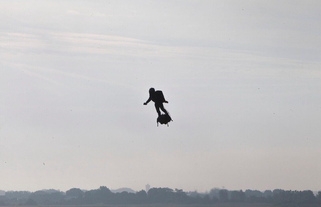 French Inventor Successfully Soars Over English Channel On Hoverboard Hoverboard Choppy Water Bald Eagle