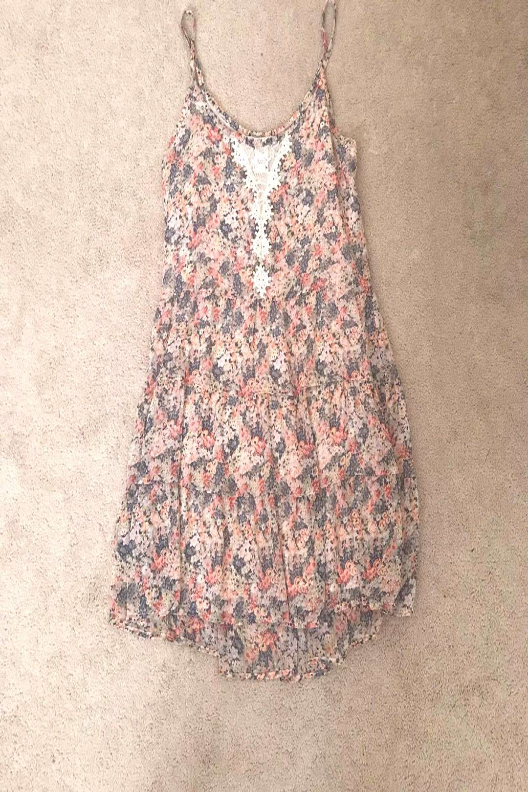 American rag floral spring dress a little out of season but wouldYou can find At home jobs and