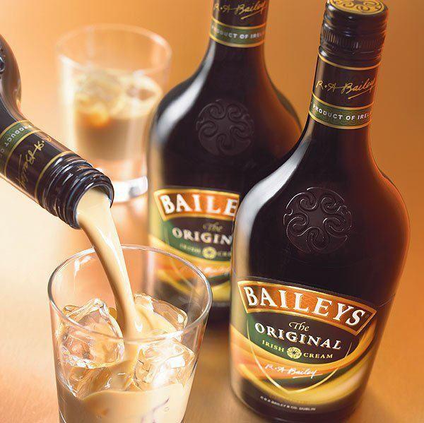 Una Copa De Baileys Now Crema De Whisky Bebidas De