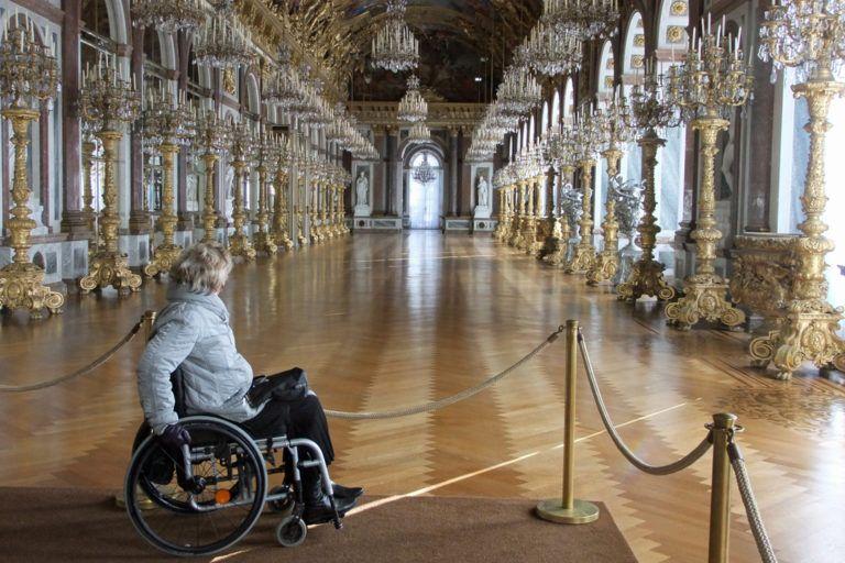Mit Dem Rollstuhl Zur Marchenwelt Von Konig Ludwig Ii Ludwig Schloss Neuschwanstein Besichtigung