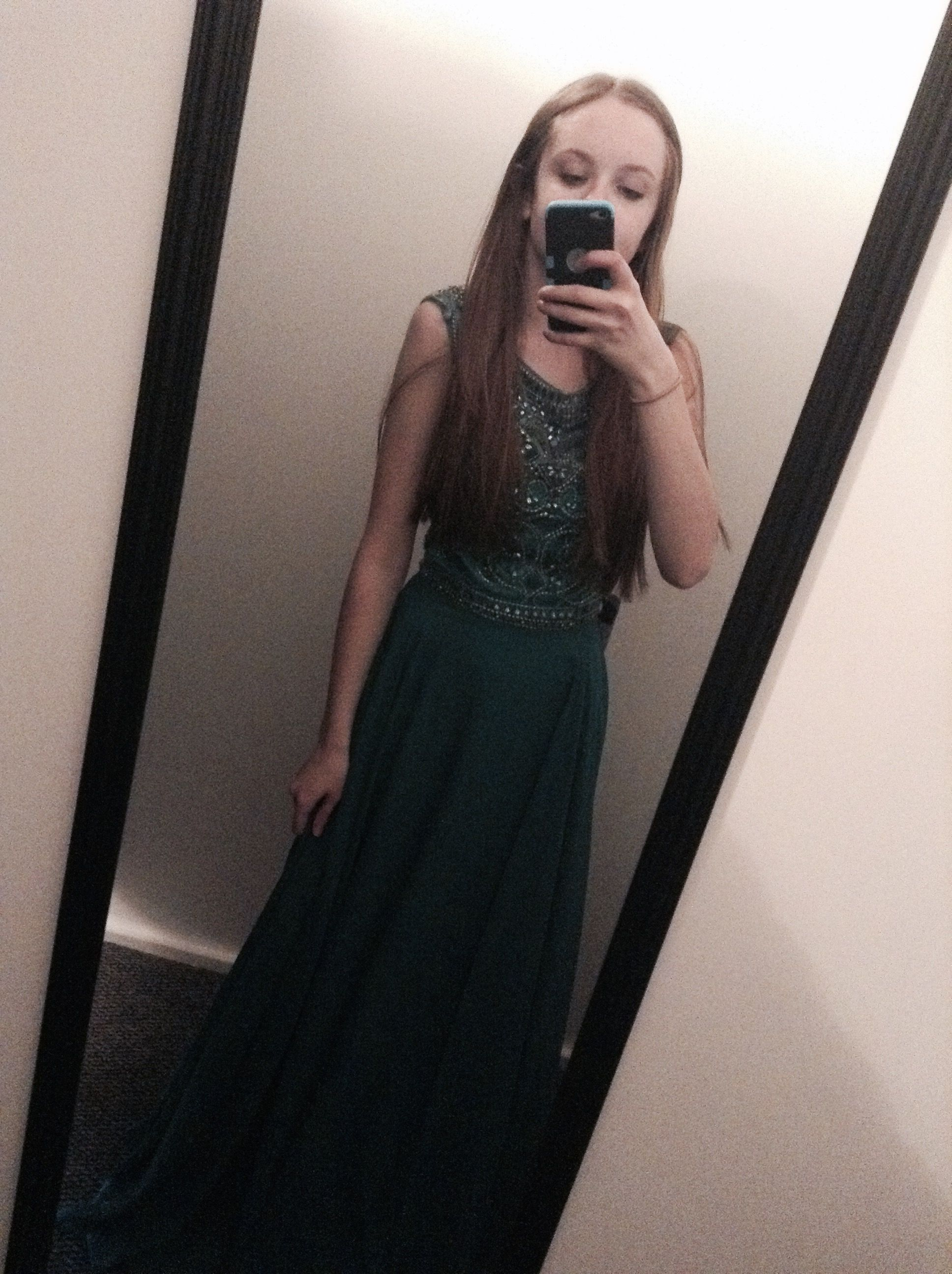 Green long prom dress ium not getting this one because the sholders