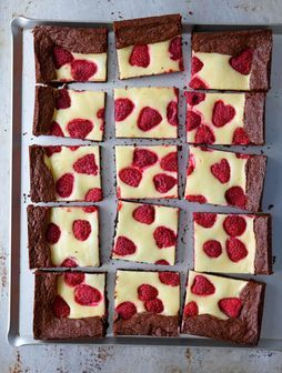rezept f r raspberry cheesecake brownies von cynthia barcomi yummy rezepte mehr. Black Bedroom Furniture Sets. Home Design Ideas