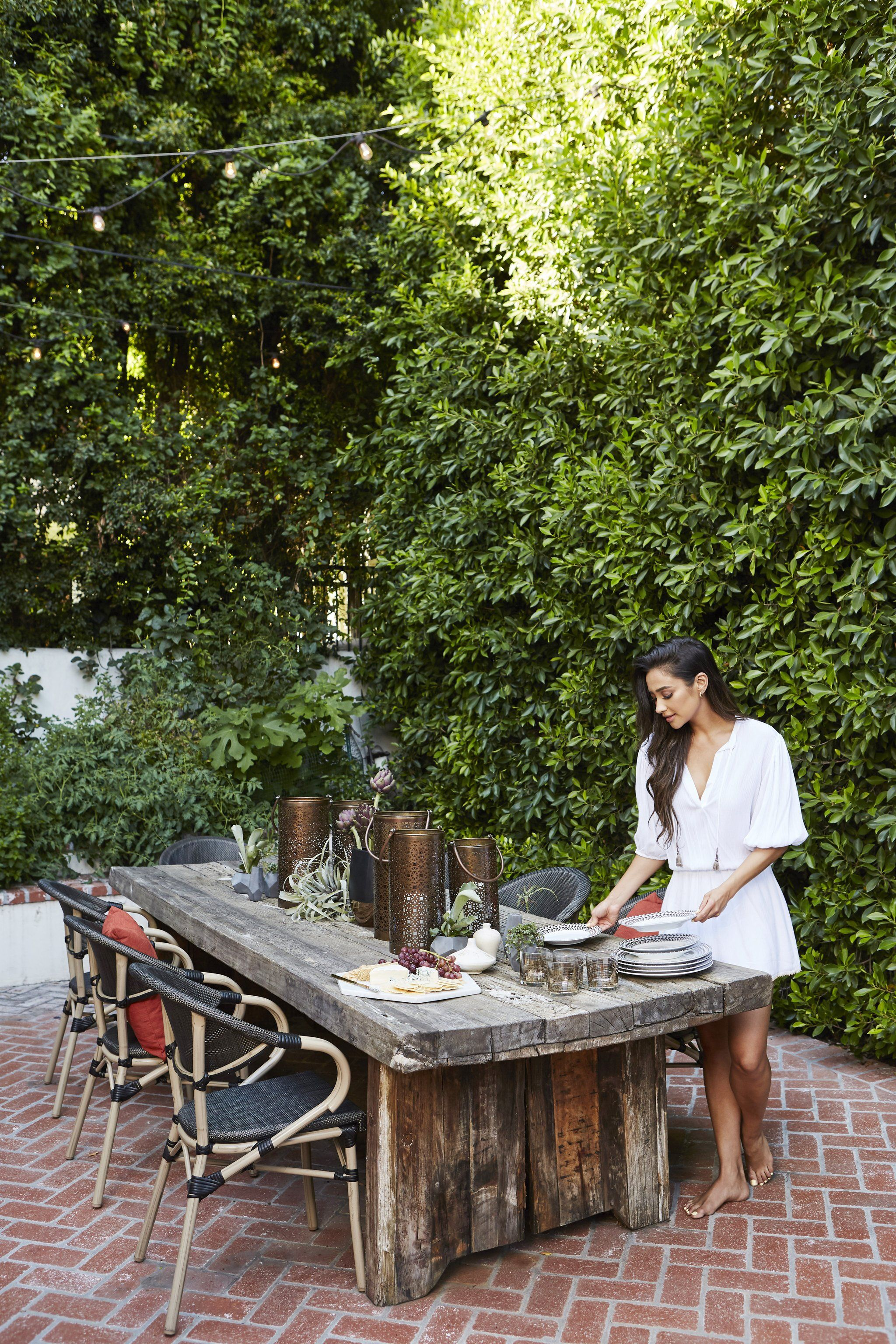 Amazing Pictures Of Shay Mitchellu0027s Yard | POPSUGAR Home