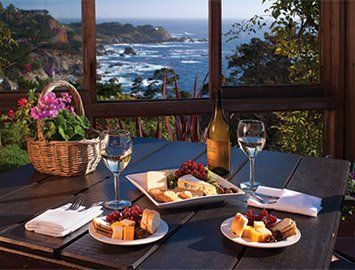 A Hidden Gem On The Pacific Coast And Lush Carmel Highlands Tickle Pink Inn Is Beautiful Oceanfront Hotel Along California World Famous Sur