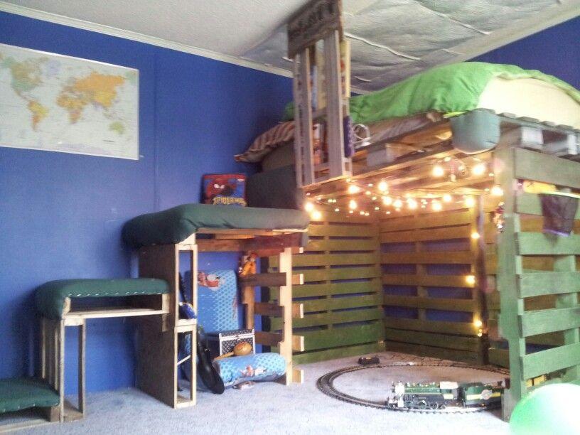 Pallet Loft Bed Pallet Loft Bed Pallet Bunk Beds Loft Bed