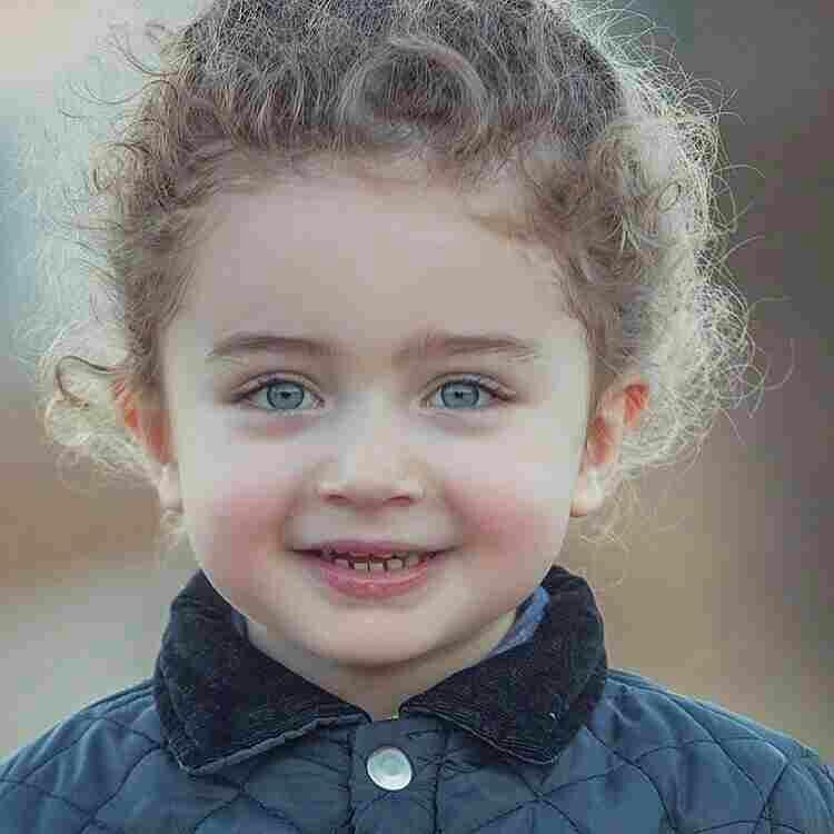 رائعة هي الابتسامة التي تقول للحزن لن تغلبني وتلك المحاولة التي تقول للفشل لن تتمكن من ي وذلك ا Cute Baby Girl Images Cute Baby Girl Cute Kids Photography