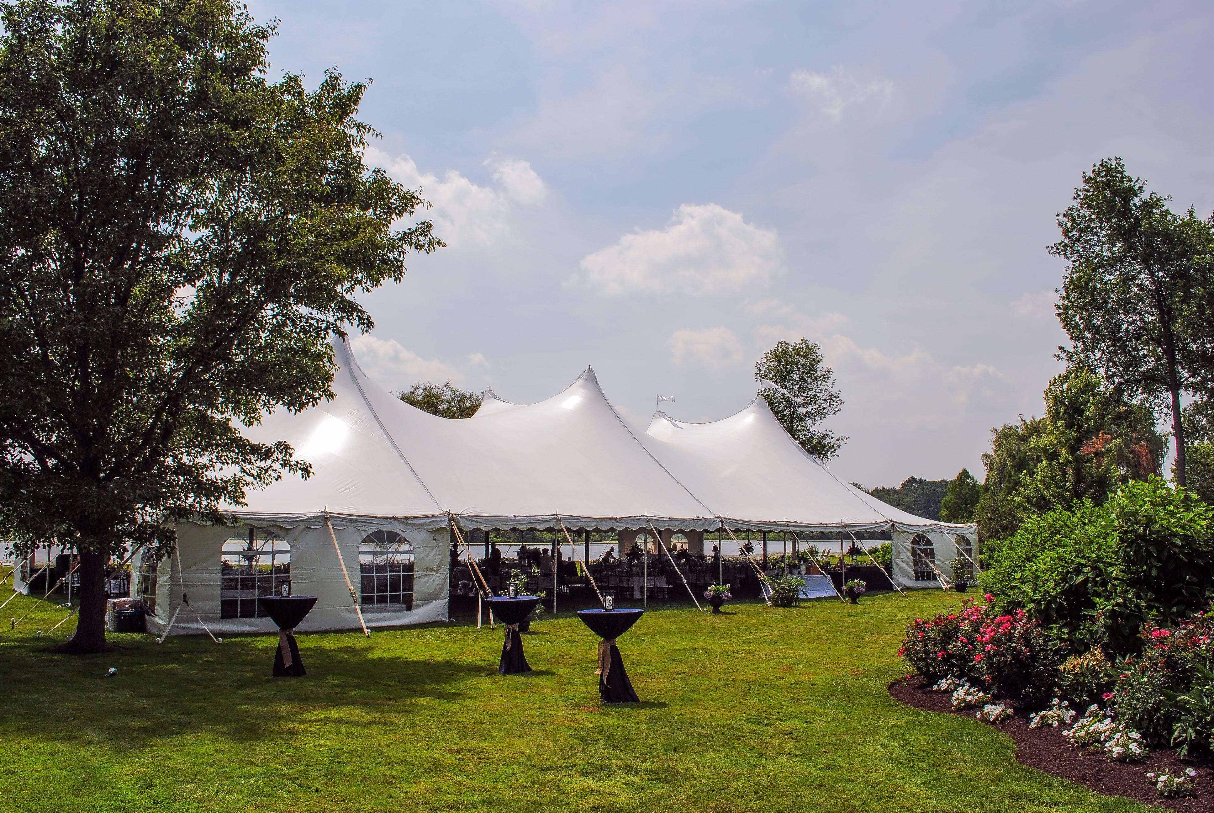 Beautiful outdoor tent wedding | Outdoor tent wedding ...