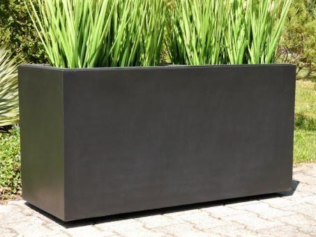 pflanzkubel mit rollen, pflanztrog für rollen aus fiberglas in schwarz-anthrazit | eastwest, Design ideen