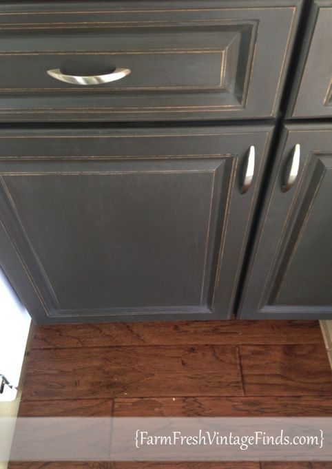 Chalk Paint® decorative paint by Annie Sloan in Graphite with a Dark ...