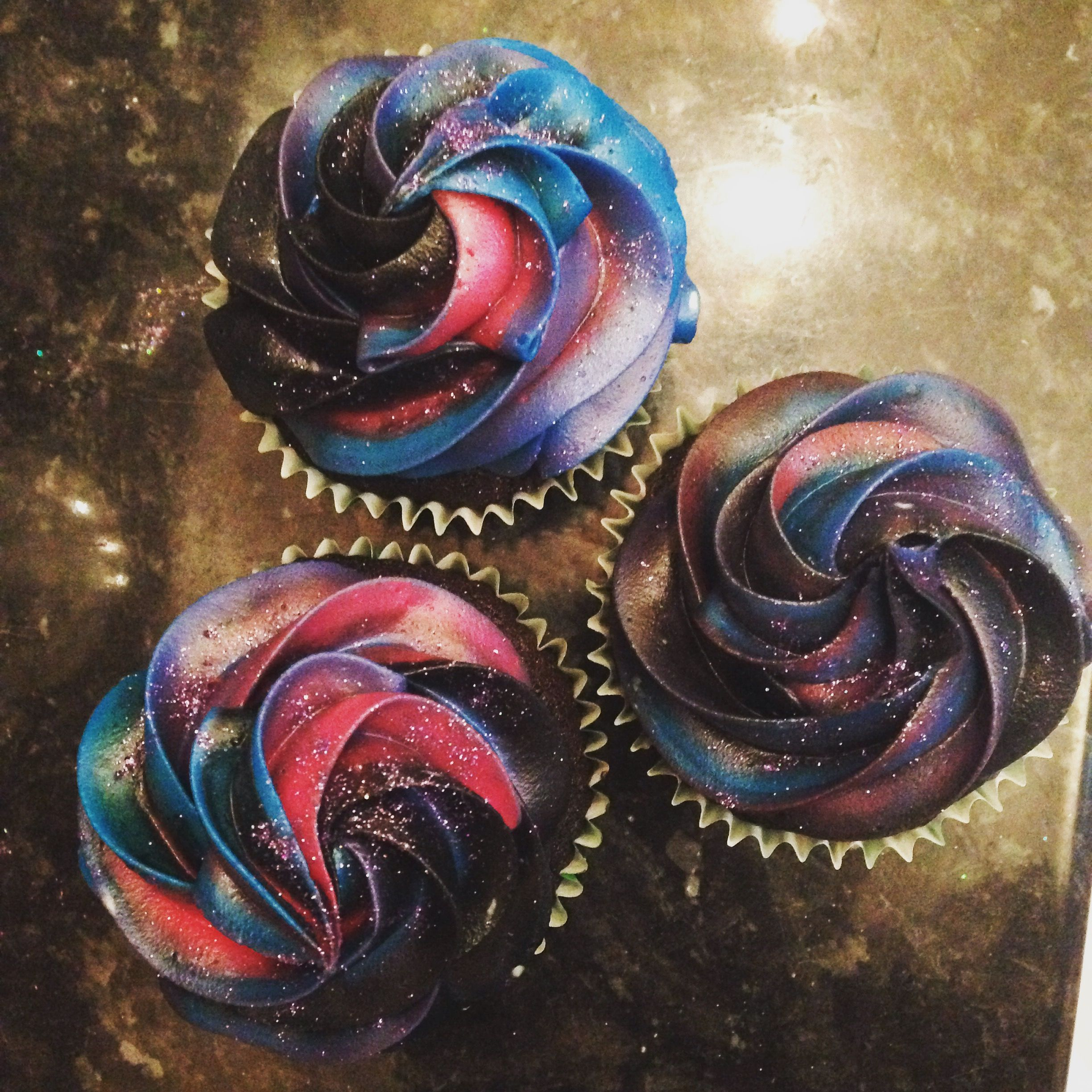 How to create cosmic galaxy effect frosting for cupcakes for Cosmic pattern clothing