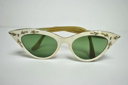 b7026024f7c Vintage Depose France Women CAT Eyeglasses Rhinestone Marbleized Sunglasses