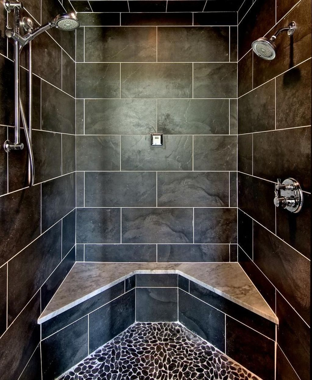 45 Lovely Black Shower Tiles Design Ideas Idée Salle De Bain - Carrelage Salle De Bain Design Pas Cher