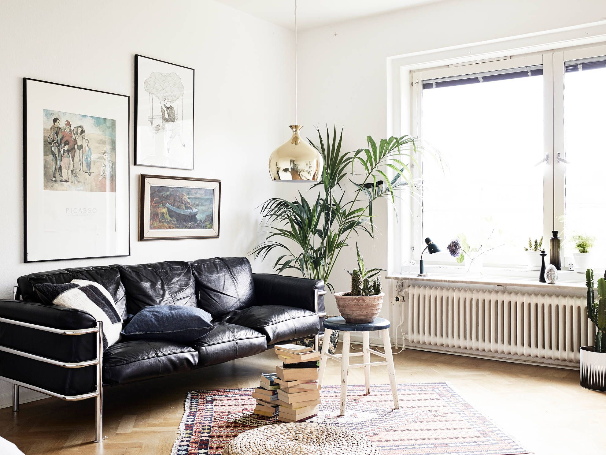 Mid-century modern flat with lots of plants (COCO LAPINE DESIGN ...
