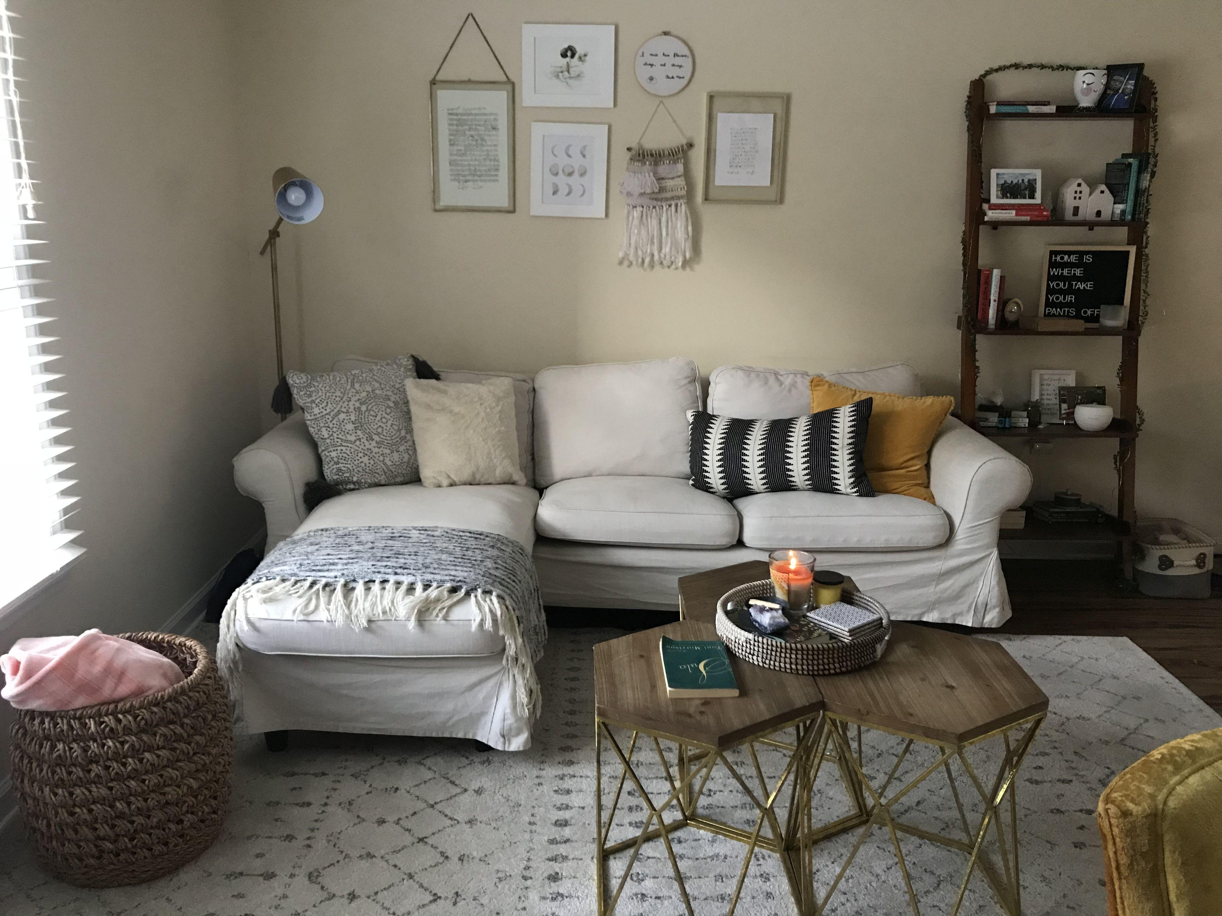 Cozy living room #apartment #apartmentdecor # ...